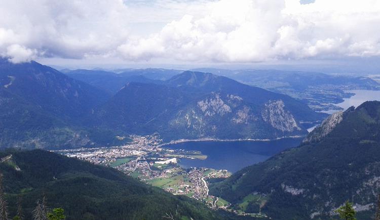 Blick vom Eibenberg auf Ebensee und den Traunsee (© Tourismusbüro Ebensee)