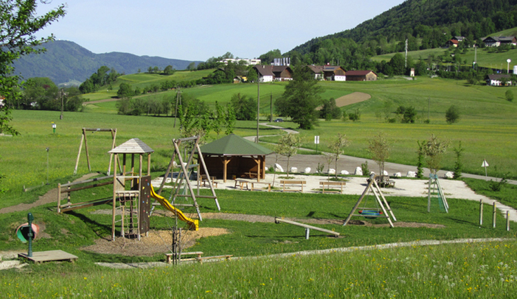 playground made by Wood, landscape\n\n