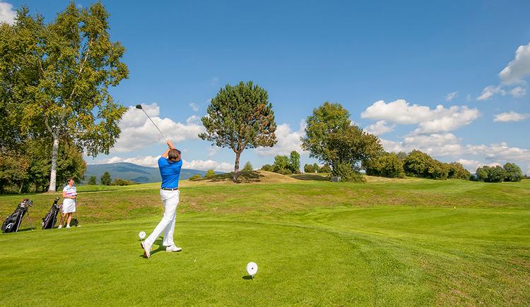 Golf-Urlaub in der Ferienregion Böhmerwald (© OÖ Tourismus GmbH/Hermann Erber)