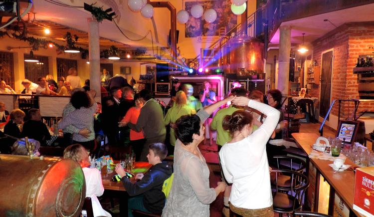 Feiern in der Hausbrauerei Bogner (© HB Bogner)