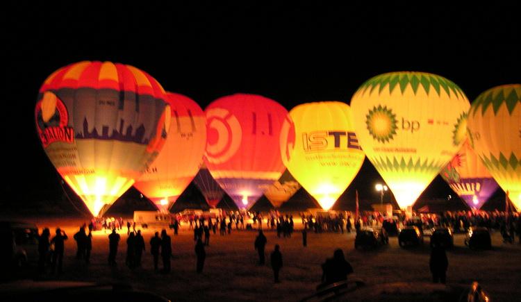 Nacht der Ballone in Gosau. (© Grill Elisabeth)