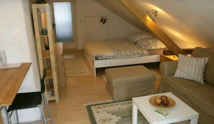 ferienwohnung-wiesbauer-schlafbereich (© Ferienwohnung Wiesbauer Martin)