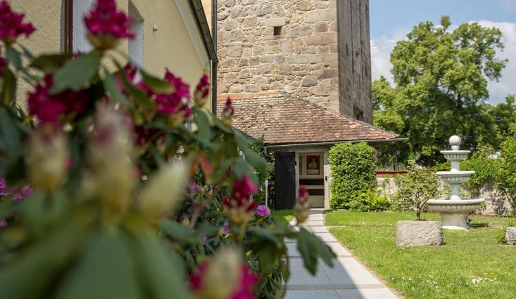Blick vom Gastgarten zum Böhmertor (© MMG_Enzenhofer)