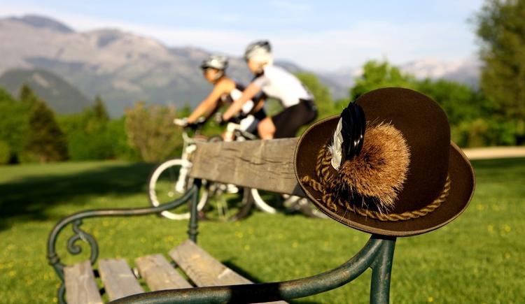 Radfahren mit Sisi & Franz (© www.badischl.at)