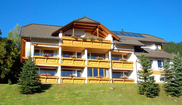 Haus Löger, Windischgarsten: Die südseitig ausgerichteten Balkone garantieren sonnige Stunden. (© Edith Löger)