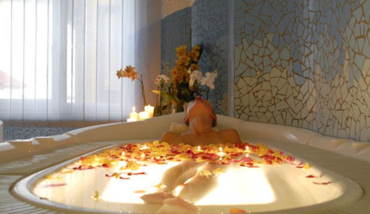 Hotel Fürst, Wellnessbereich - Whirlpool