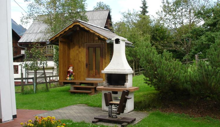 Gartenhütte mit Griller (© Straubinger)