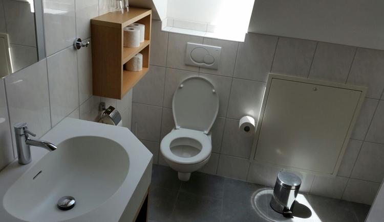 Waschbecken, Toilette