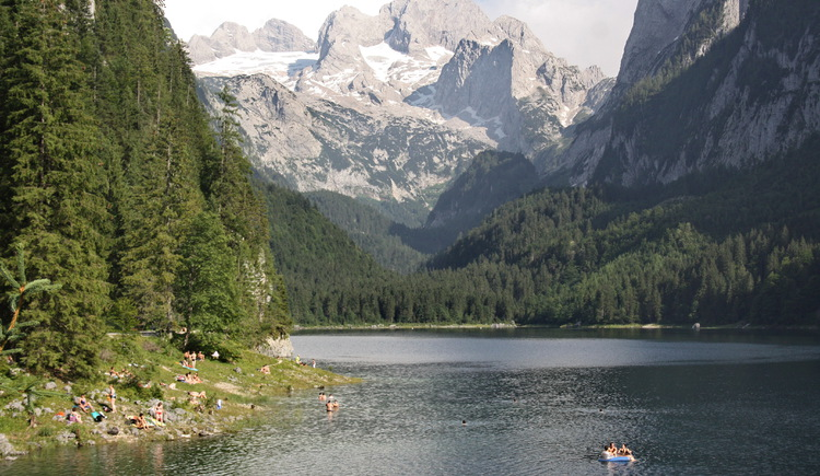 View on Gosausee and Dachstein. (© Grill Elisabeth)