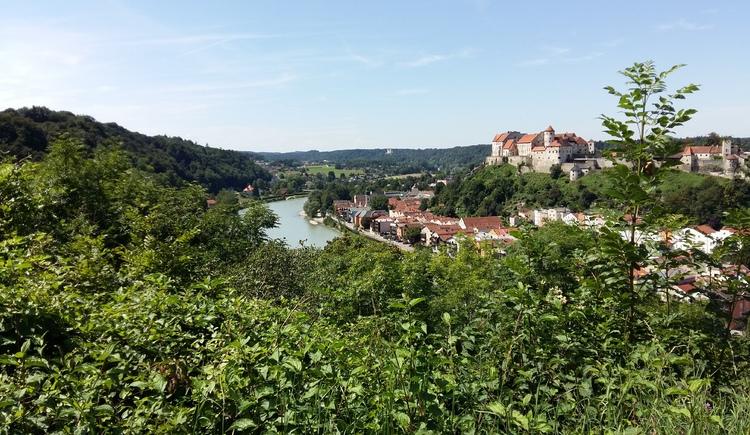 Blick nach Burghausen (© Seelentium)