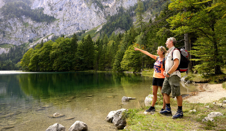 Etappe 2 - Wandern am Langbathsee (© MTV Ferienregion Traunsee)
