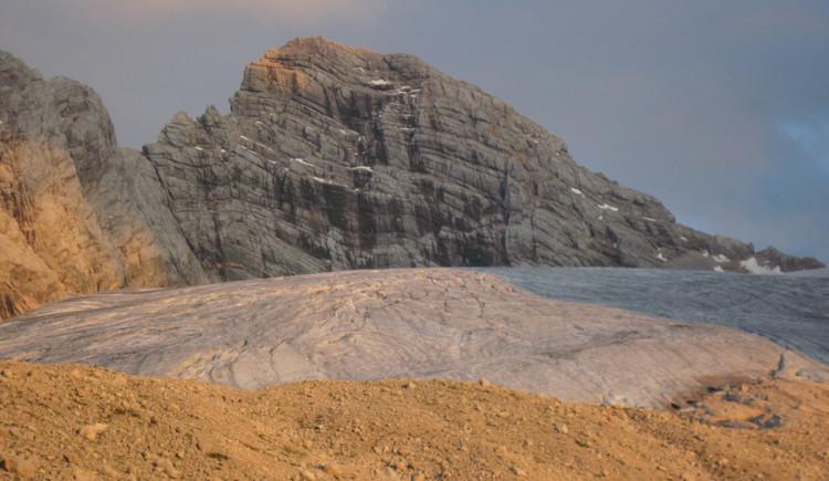 Dachstein mit Gosaugletscher. (© Gisbert Rabeder)