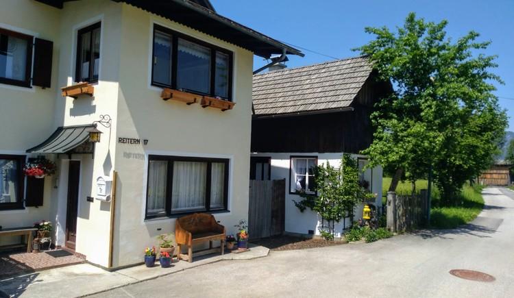 Haus Moni Vorderansicht. (© Anita Wassermeyer)
