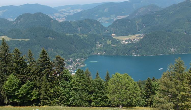 Wolfgangsee und Mondsee sind nur zwei der Seen können Sie von der Spitze des Zwolferhorn sehen