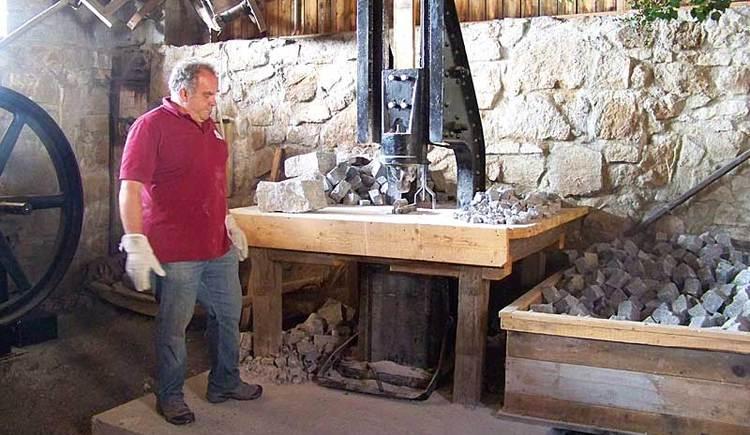 Zweckerlvorführung in der Erlebniswelt Granit in St. Martin im Mühlkreis. (© Leader-Region Donau-Böhmerwald)
