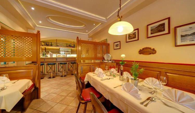 Public room of the restaurant (© www.fischerwirt.net)