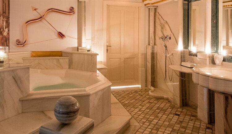 Roman temple Hotel Eichingerbauer **** Superior (© Sabine Sperr)