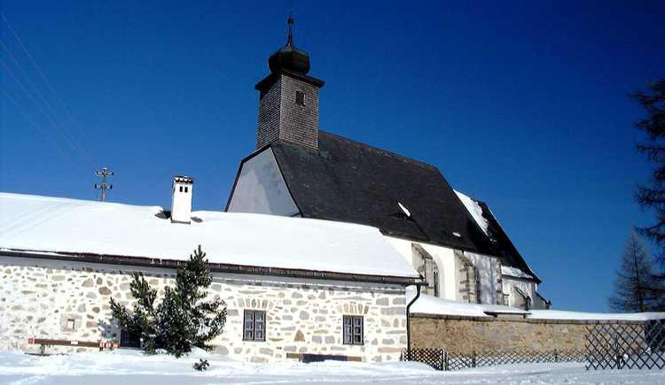 Kirche St. Michael ob Rauchenödt im Winter (© Touristik Mühlviertler Kernland)