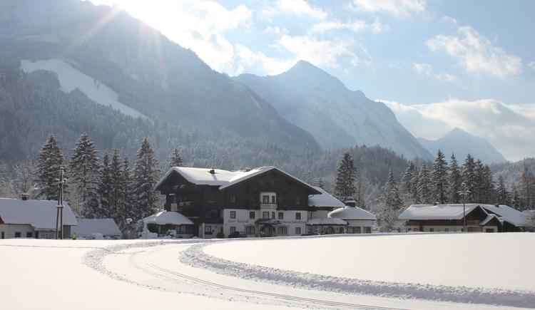 Das Hotel Bergrose in Strobl am Wolfgangsee im Winter