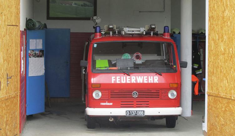 Feuerwehrauto in einer Garage. (© Tourismusverband MondSeeLand)