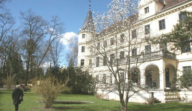 Frontansicht Schloss Puchberg