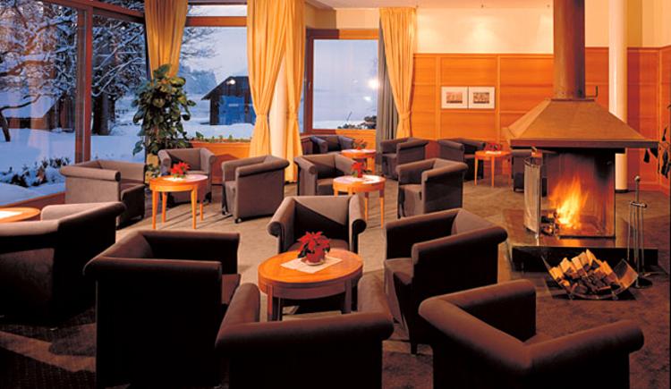 Romantisches Kaminzimmer im 4 Sterne Hotel Villa Brandauer am Wolfgangsee. (© Villa Brandauer)
