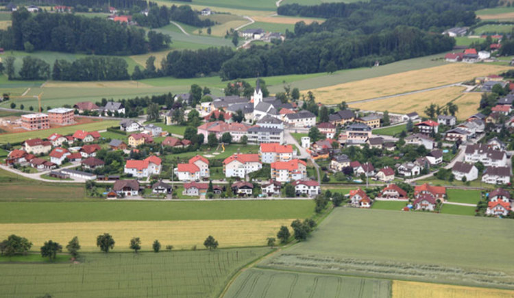 Luftbild von Gschwandt by Foto Sternberger (© Ferienregion Traunsee)