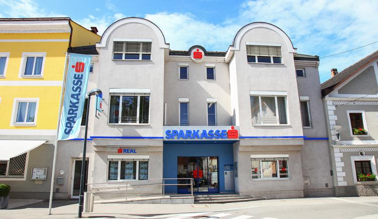 Gebäude der ehemaligen Perger Sparkasse; heute Sparkasse Obertösterreich