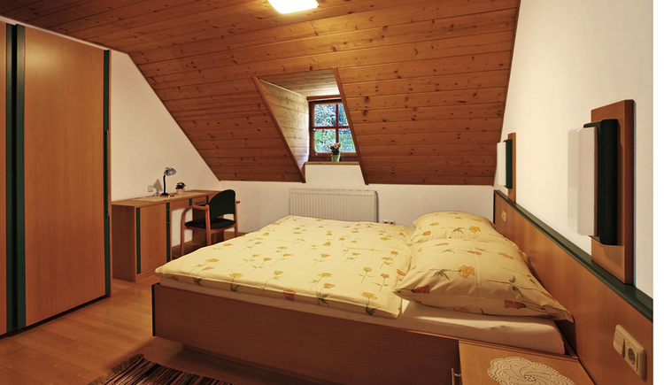 Holiday apartment Neuhuber in Bad Goisern\nbedroom