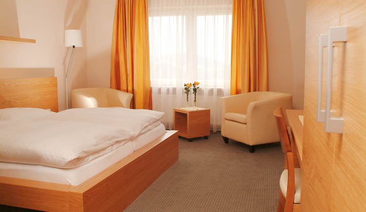 Zimmer. (© Landhotel Hoftaverne Atzmüller)
