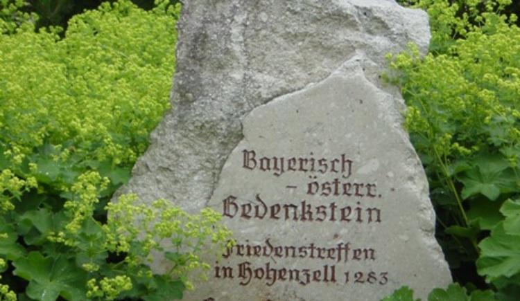 Bayrisch-Österreichischer Grenzstein (© Vianovis)