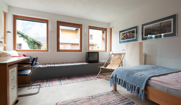 The bedroom at Loft am See in Hallstatt invites you to dream.