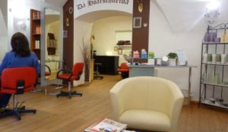 Das Friseurgeschäft Da Hoarschneider befindet sich in der Kirchengasse in Bad Goisern
