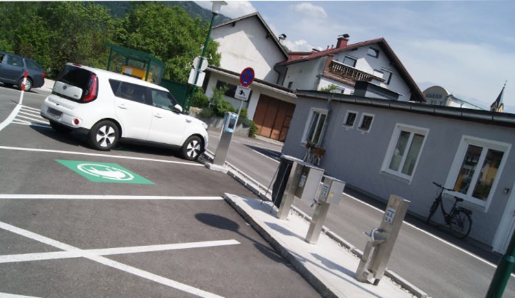 E-Tankstelle Parkplatz \