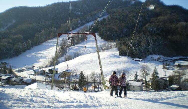 Skiing in Faistenau (© Schmiedhornlift Faistenau)