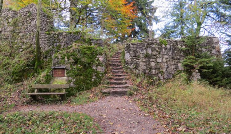 Weitwanderweg Salzkammergut, Mondsee, Fuschlsee, Wolfgangsee. (© www.mondsee.at)