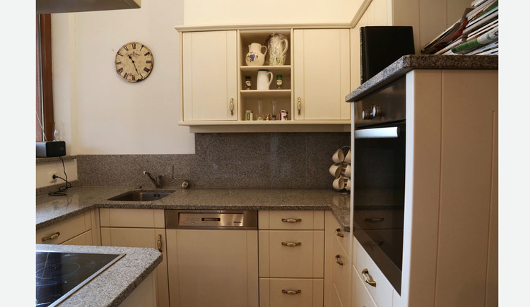 kitchen with cooker and sink