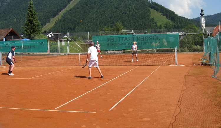 Tennis player - view to the centre of Faistenau (© Tennisclub Faistenau)