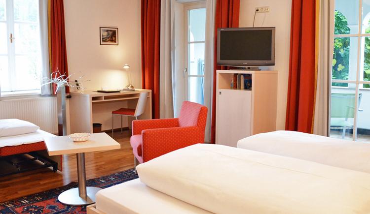 Doppelzimmer mit Balkon im Hotel Föttinger**** Steinbach am Attersee. (© Familie Föttinger)