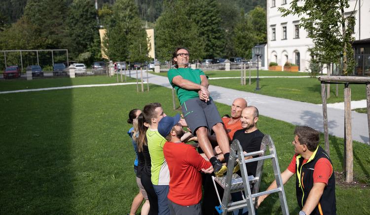 Vertrauensfall (© Abenteuer Management - Hinteramskogler)