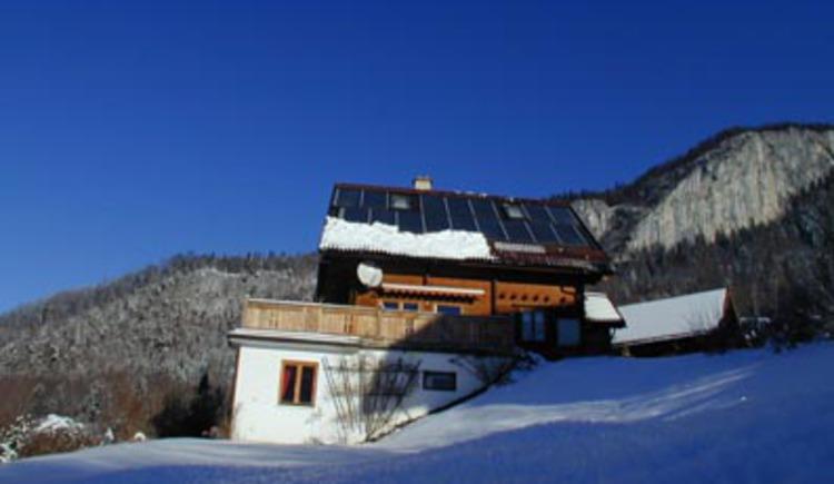 In erhöhter Lage über Bad Goisern befindet sich das Ferienhaus Panorama. (© Rehn)