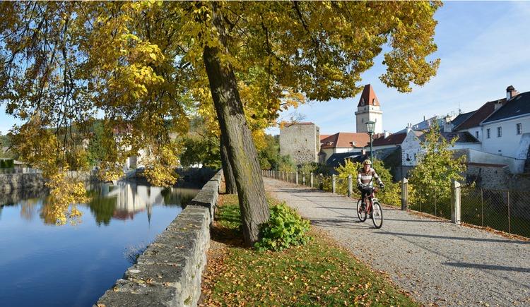 Radeln in Freistadt auf der Stadtmauer (© OÖTM Röbl)