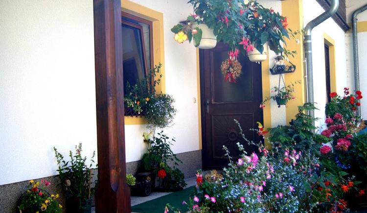 Sommerblütenmeer Haus Grubbach