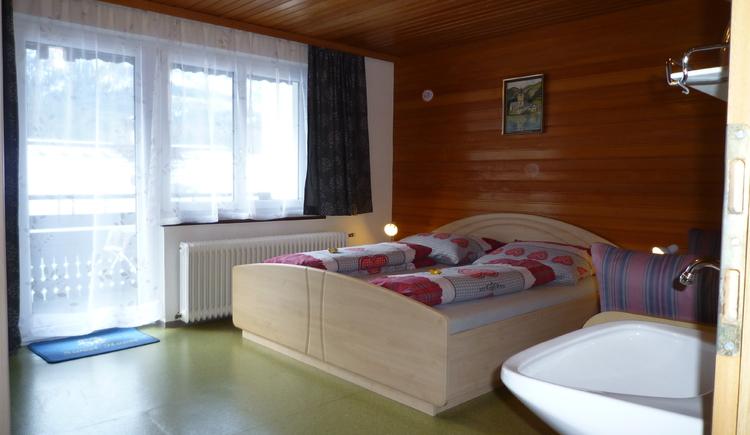 Ansicht Schlafzimmer Abendsonne - Bild Nr. 1. (© Haus Straubinger-Tiefenbacher Bad Goisern)