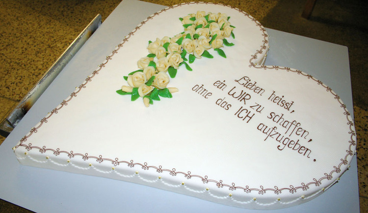 heart torte with few words - for a wedding\n