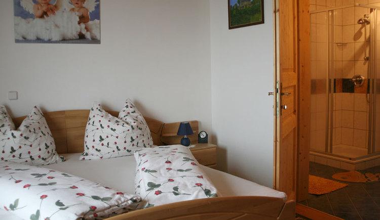 Zimmer - Familie Emeder in Stra\u00df im Attergau. (© Familie Emeder)