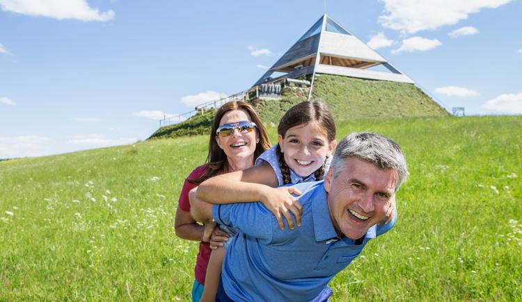 Panoramablick Pyramide Etzing | Sauwaldpanoramastraße (© WGD Donau Oberösterreich Tourismus GmbH/Weissenbrunner)