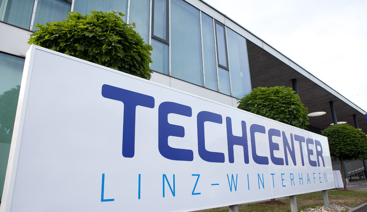 TECHCENTER Schild.jpg
