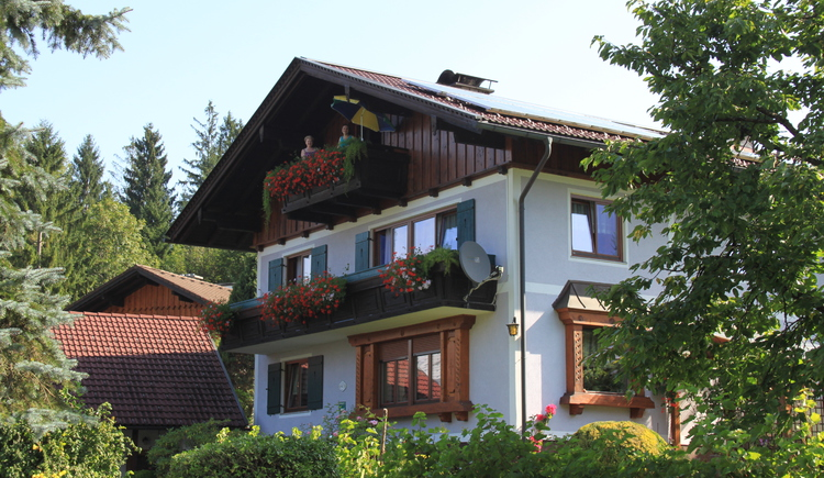 The apartment is located very quiet and near the Lake Hallstatt