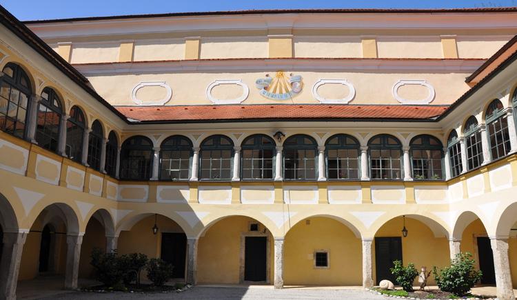 Arkadenhof Schloss Kremsegg